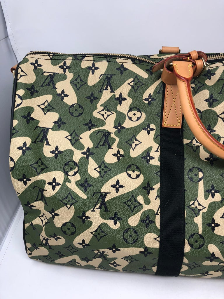 c82556043ae0 Louis Vuitton Limited Edition Monogramouflage Canvas Keepall 55 For Sale 8