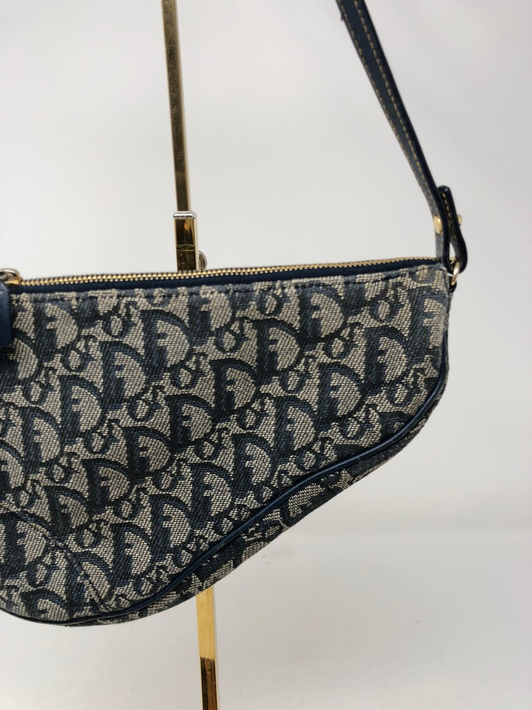 959c5e084217 Christian Dior Monogram Denim Saddle Bag In Excellent Condition For Sale In  Athens