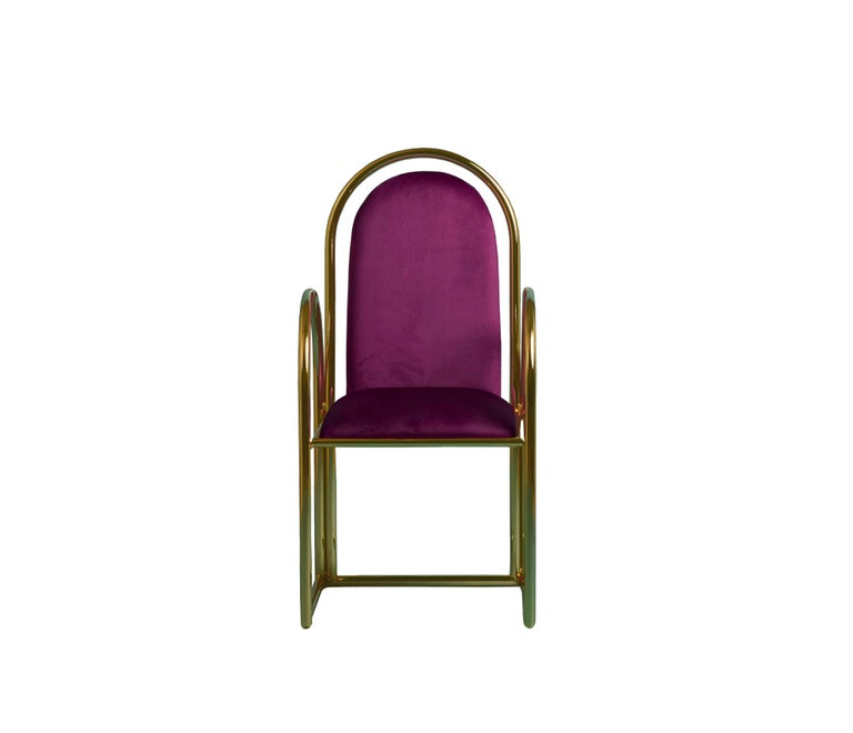 Arco chair by Houtique Materials: Metallic structure bathed in 24 Ct gold // epoxy paint  Upholstery Velvet Dimensions: 47 x 45 x H 100 cm  Seat Height: 46 cm  Chairs, tables and stools with fun shapes inspired in the 80's.  Structure: 25mm