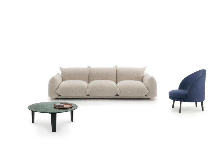 Marenco Sofa is designed by Mario Marenco for Arflex. This sofa features the system with making the armrest and seat as the base portion. There is a metal tubular frame facilitated for accommodating the cushions which provide firm and rigidity to
