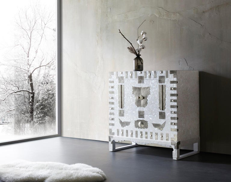 Arijian White Mother of Pearl Korean Traditional Cabinet Chest In New Condition For Sale In Namyangju-si, KR