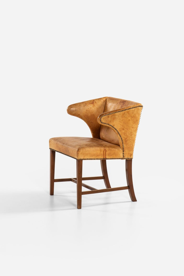 Armchair Attributed to Frits Henningsen by cabinetmaker Frits Henningsen In Good Condition For Sale In Malmo, SE