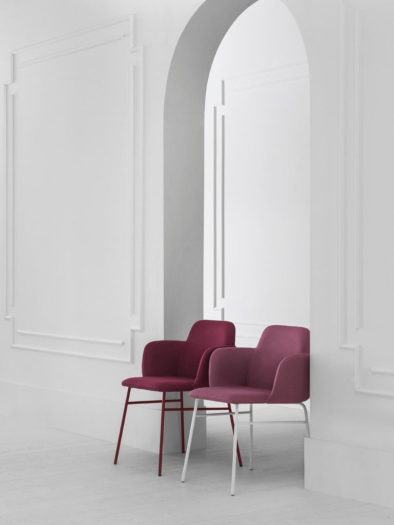 BardotMet stands out for its elegance and brightness, extending its style to include new frames, pastel and vibrant shades, and refined, contemporary finishes. The frame of the new chair and stool is lighter, through the use of clean-lined, metal