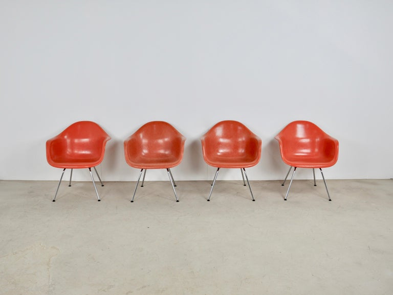 Mid-Century Modern Armchair by Charles & Ray Eames for Herman Miller, 1970s For Sale