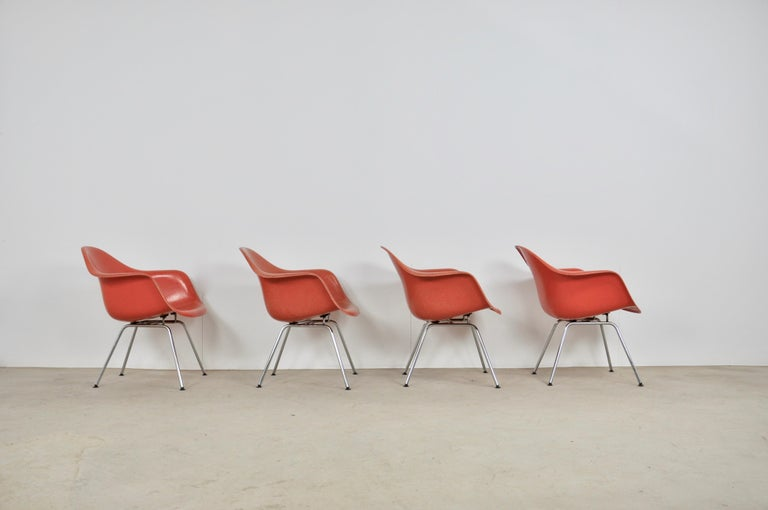 Armchair by Charles & Ray Eames for Herman Miller, 1970s In Good Condition For Sale In Lasne, BE