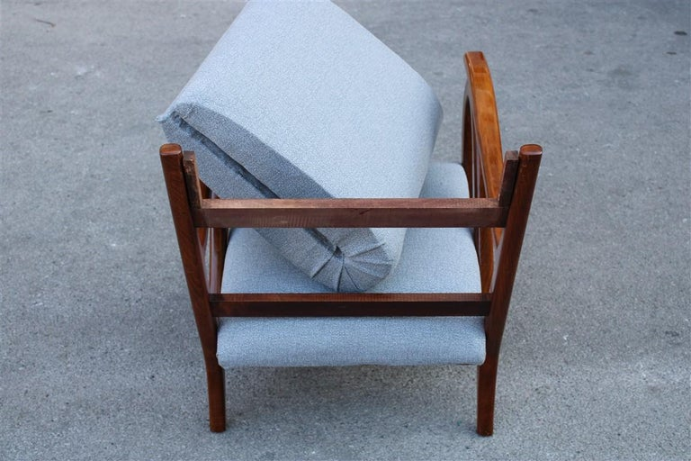 Armchair in Italian Curved Walnut Wood from the 1950s Upholstered Cushions For Sale 1