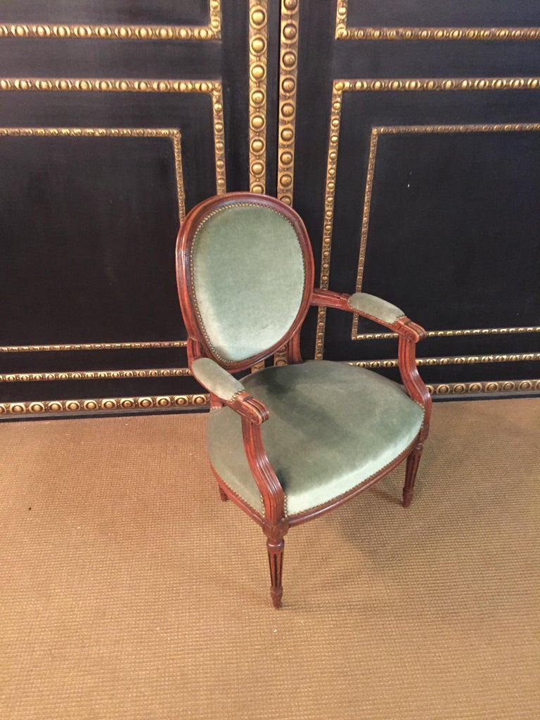 Armchair in Louis Seize Style Walnut In Good Condition For Sale In Berlin, DE