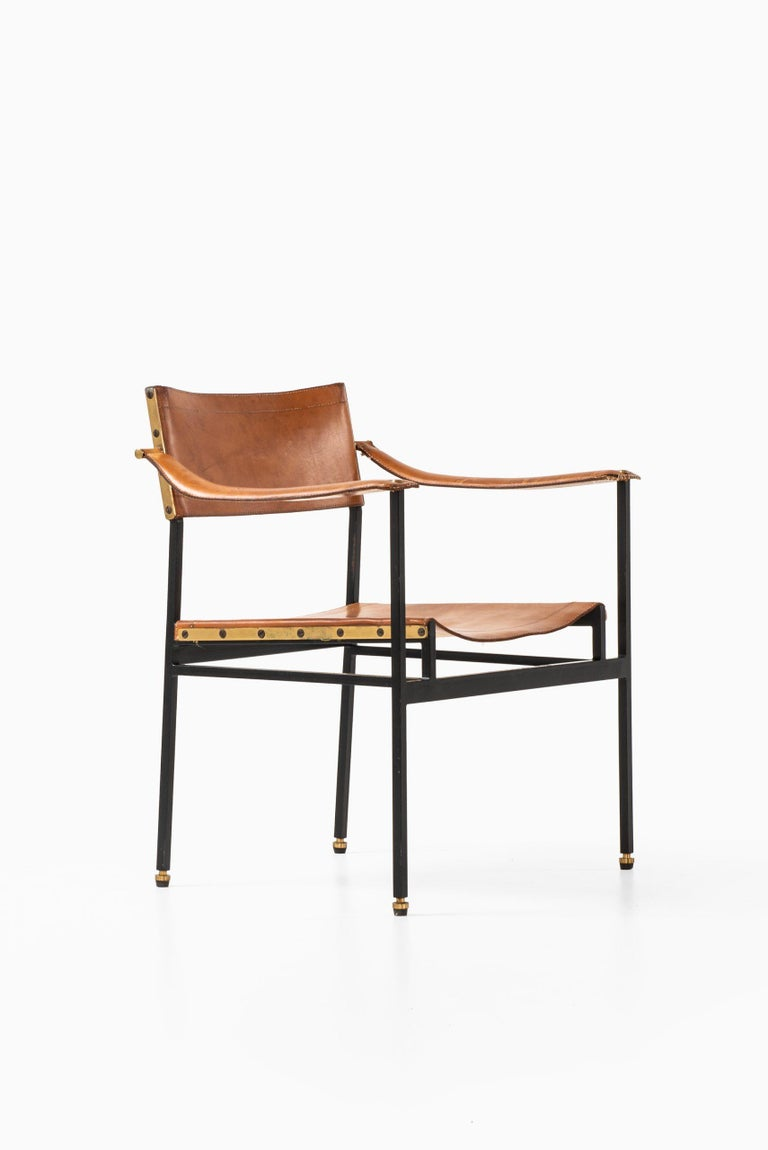 Mid-Century Modern Armchair Probably Produced in Italy For Sale