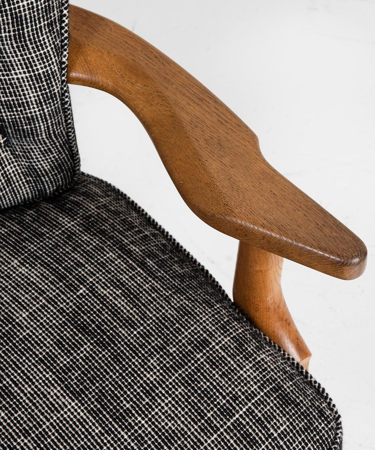 Armchairs by Guillerme & Chambron, France, circa 1950 For Sale 1