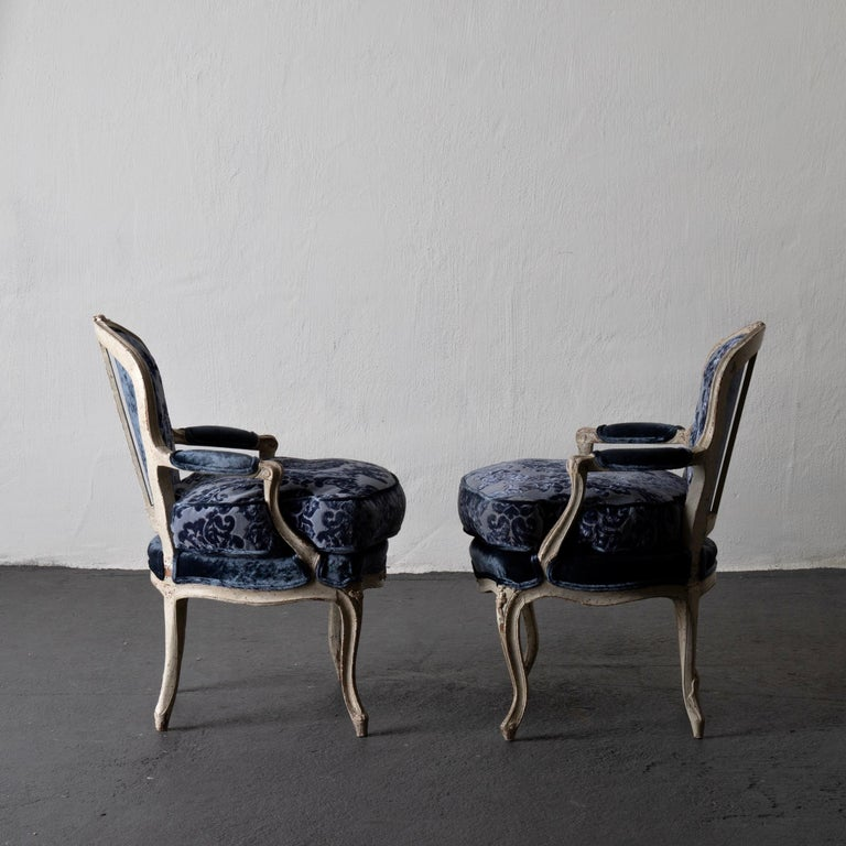 18th Century Pair of French Armchairs White Blue Louis XV Period Velvet, France For Sale