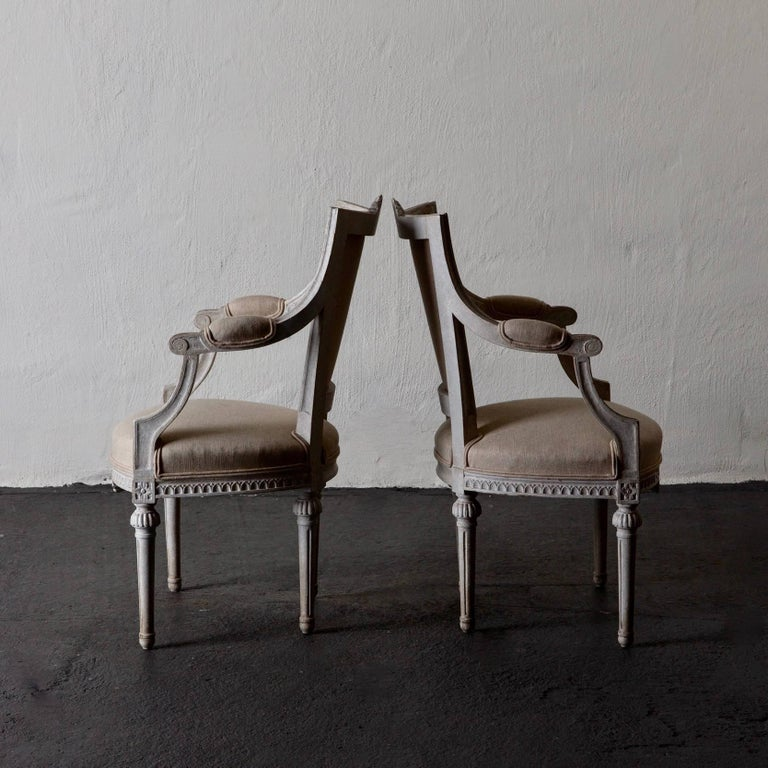 Hand-Painted Armchairs Pair of Gustavian 19th Century Swedish White Beige Sweden For Sale