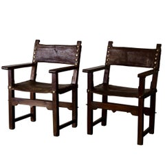 Armchairs Pair of Spanish Renaissance Brown Leather Oak 17th Century, Spain