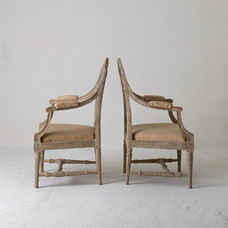 Armchairs Pair of Swedish Gustavian Period Original Paint Sweden In Good Condition For Sale In New York, NY