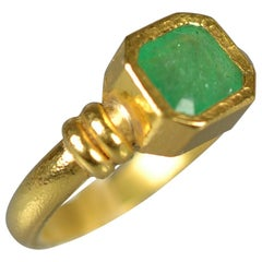 Armin Haase Emerald Ring in 21.6 Karat Gold, 1989