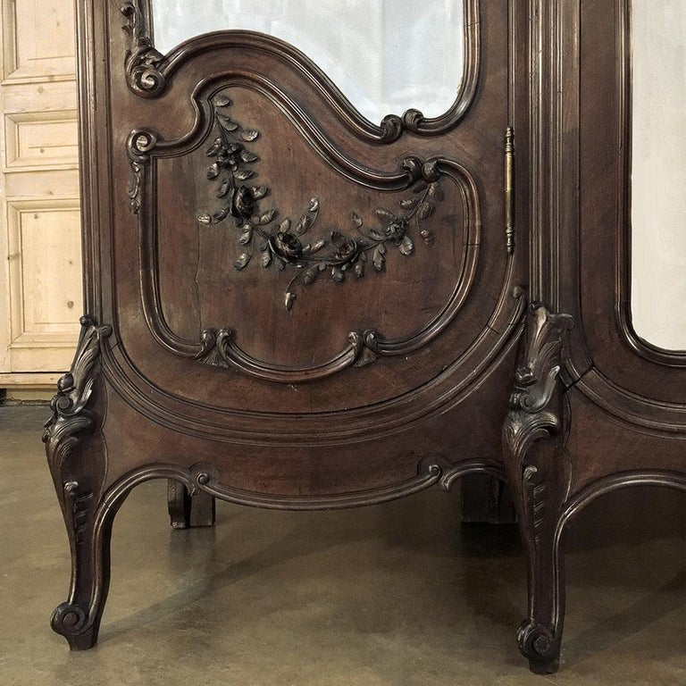 Armoire, 19th Century French Louis XV in Walnut, by Mercier For Sale 2