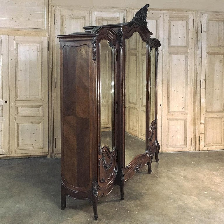 Armoire, 19th Century French Louis XV in Walnut, by Mercier For Sale 3