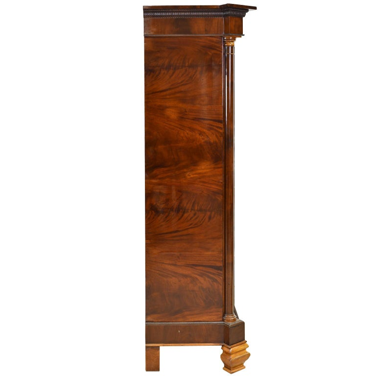 Armoire in West Indies Mahogany, Northern Europe, circa 1825 For Sale 3
