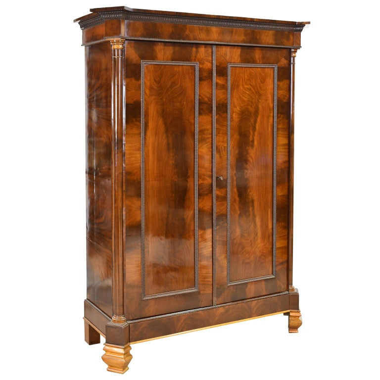 Armoire in West Indies Mahogany, Northern Europe, circa 1825 For Sale 5