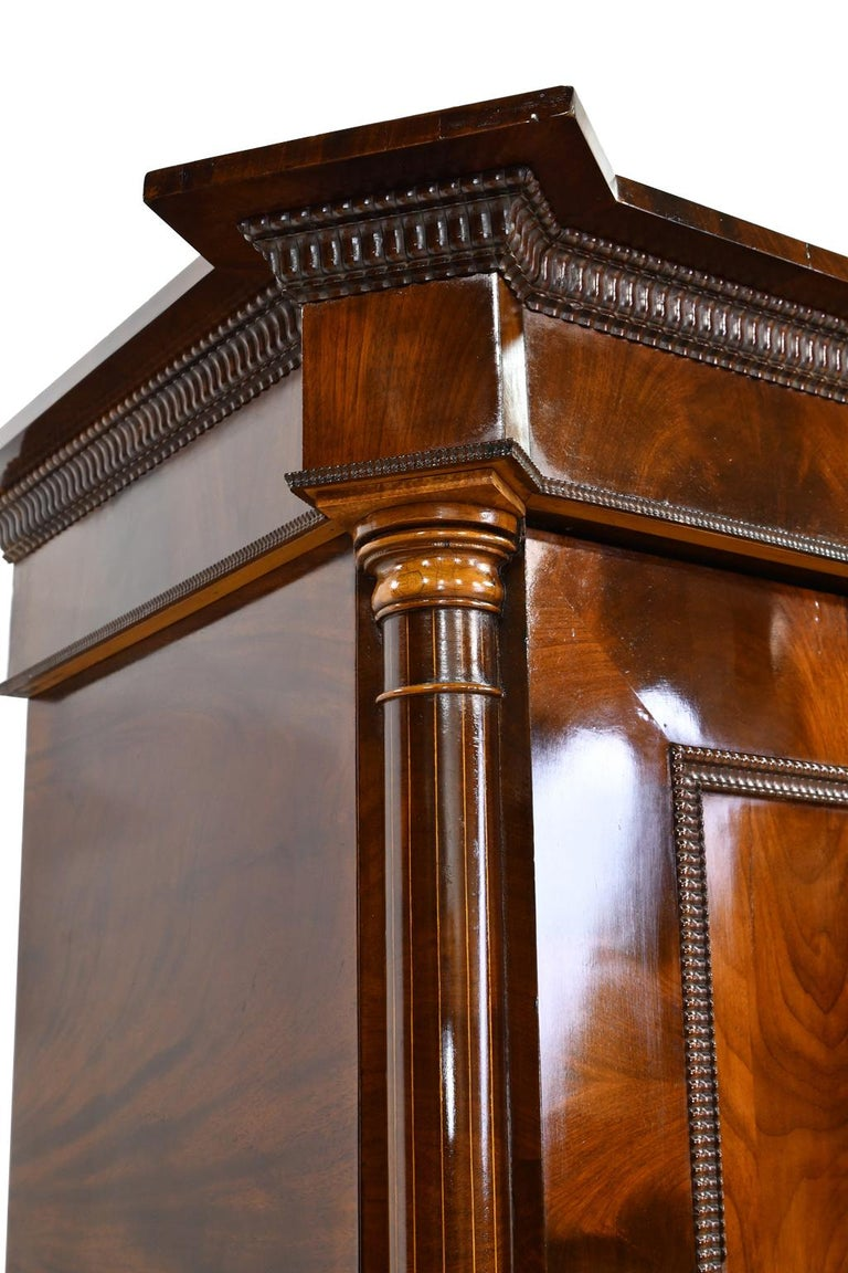 Armoire in West Indies Mahogany, Northern Europe, circa 1825 For Sale 6