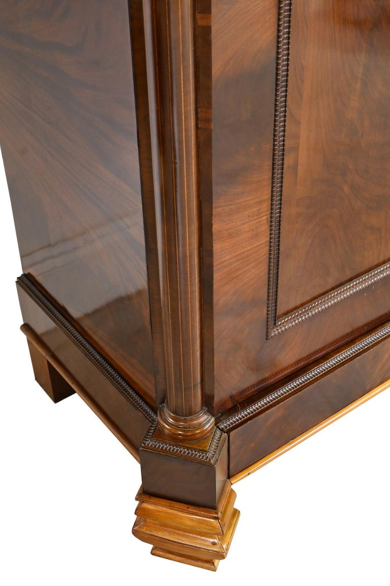 Armoire in West Indies Mahogany, Northern Europe, circa 1825 For Sale 7