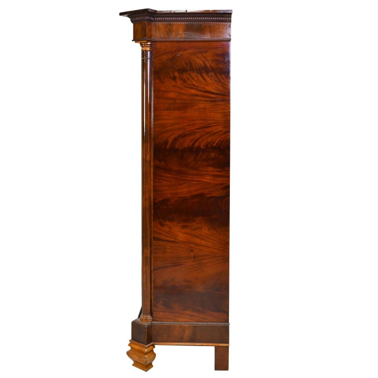 Armoire in West Indies Mahogany, Northern Europe, circa 1825 In Good Condition For Sale In Miami, FL