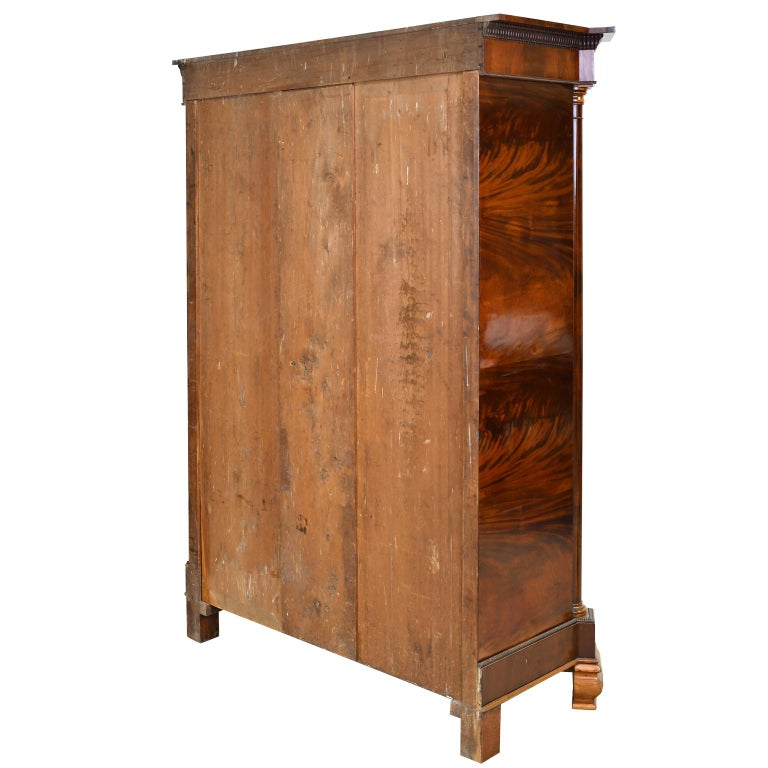 Armoire in West Indies Mahogany, Northern Europe, circa 1825 For Sale 2