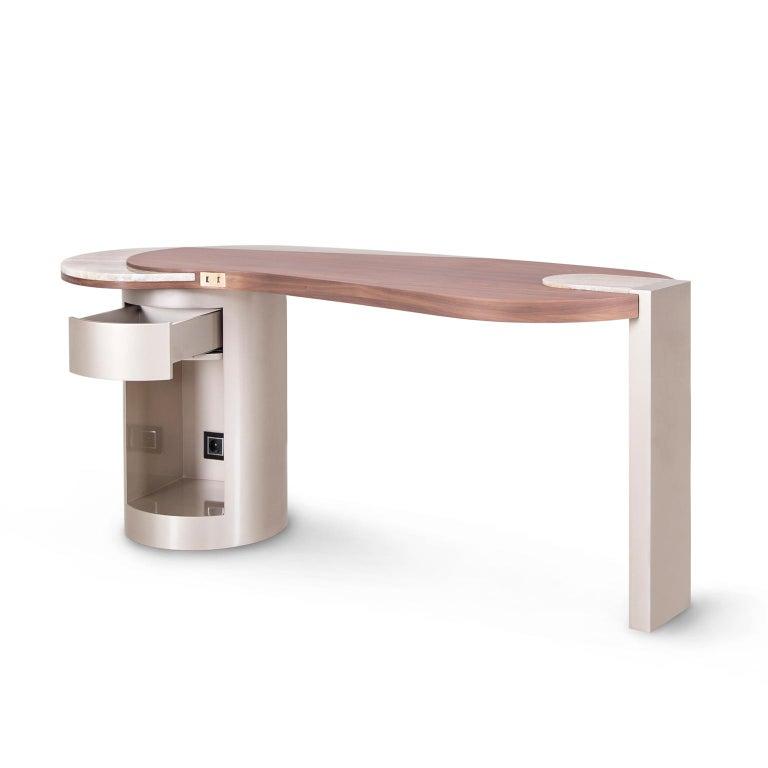 Modern Armona Desk Matt Walnut Polished Onyx Champagne Lacquered Dark Oxidized Brass For Sale