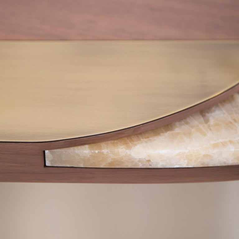 Armona Desk Matt Walnut Polished Onyx Champagne Lacquered Dark Oxidized Brass In New Condition For Sale In Cartaxo, PT