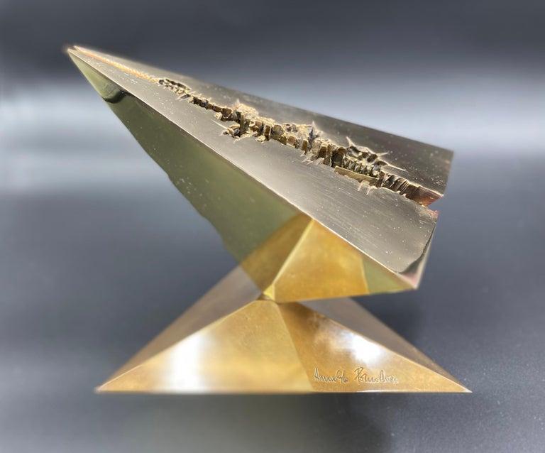 Verso Il 2080 (messaggio) - Sculpture by Arnaldo Pomodoro