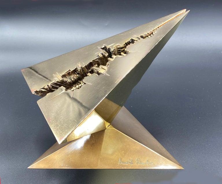 Arnaldo Pomodoro Abstract Sculpture - Verso Il 2080 (messaggio)