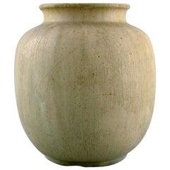 Arne Bang, Denmark, Vase in Glazed Ceramics, Model Number 31. Beautiful Glaze