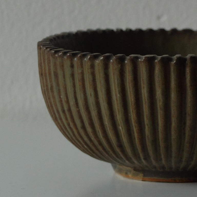 Scandinavian Modern Arne Bang for Royal Copenhagen, Ribbed Ceramic Bowl, 1940s