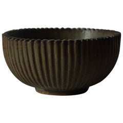 Arne Bang for Royal Copenhagen, Ribbed Ceramic Bowl, 1940s