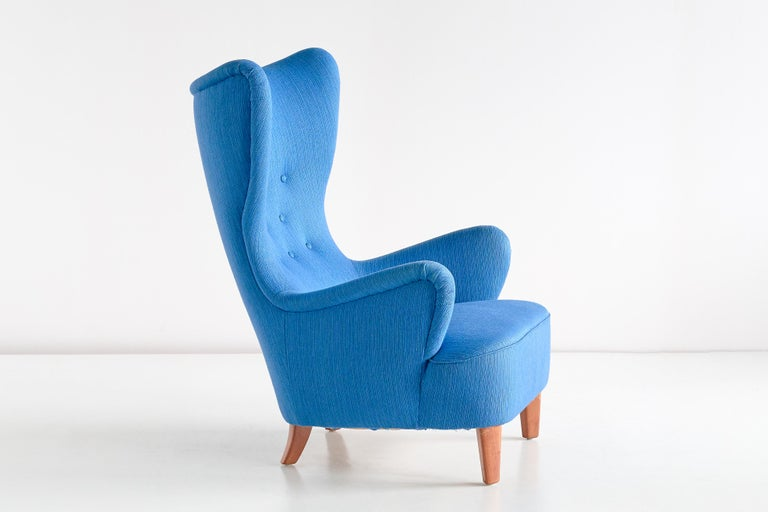 Arne Färnrot Wingback Chair in Blue Wool Fabric and Mahogany, Sweden, Late 1940s In Good Condition In The Hague, NL