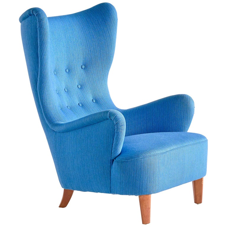 Arne Färnrot Wingback Chair in Blue Wool Fabric and Mahogany, Sweden, Late 1940s