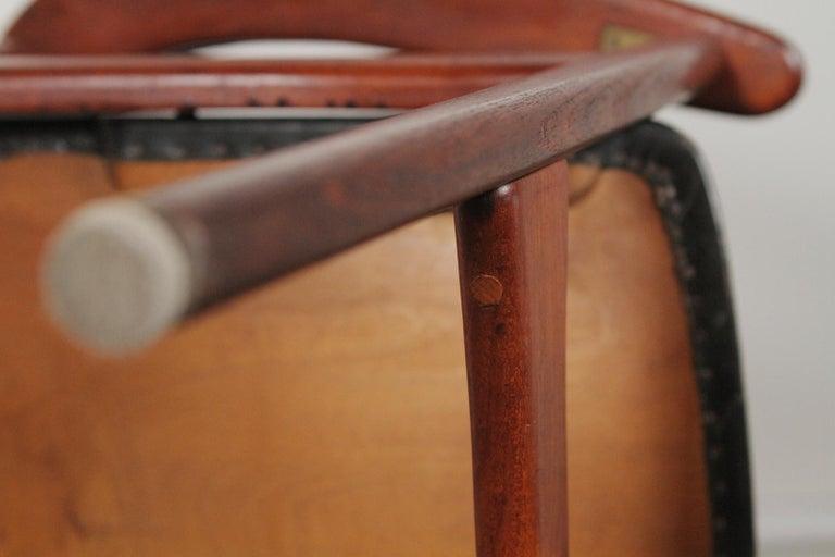 Arne Hovmand-Olsen for Jutex Teak and Leather Rounded Back Chair, 1957 For Sale 5