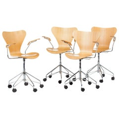 Arne Jacobsen Set of Chairs