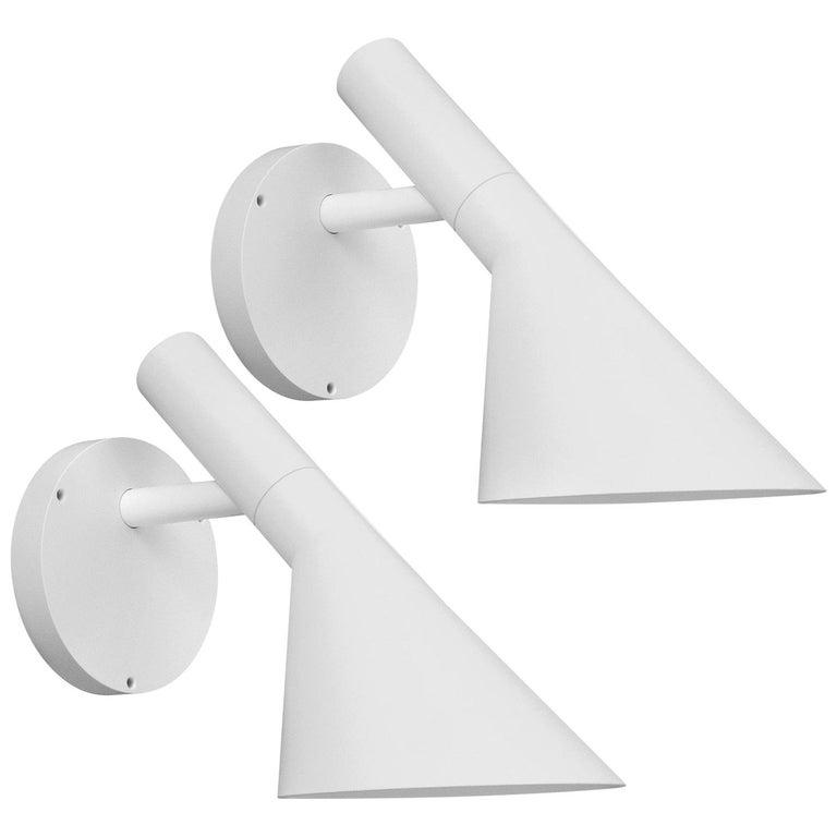 Arne Jacobsen AJ 50 Outdoor Wall Light for Louis Poulsen in White For Sale