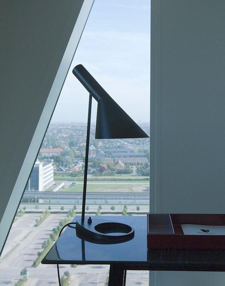 Arne Jacobsen AJ Table Lamp in Dark Green for Louis Poulsen For Sale 5