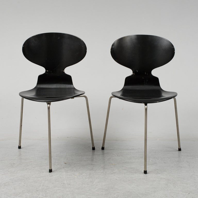Scandinavian Modern Arne Jacobsen Ant Chairs, Original Set from Early Production, 1952 For Sale