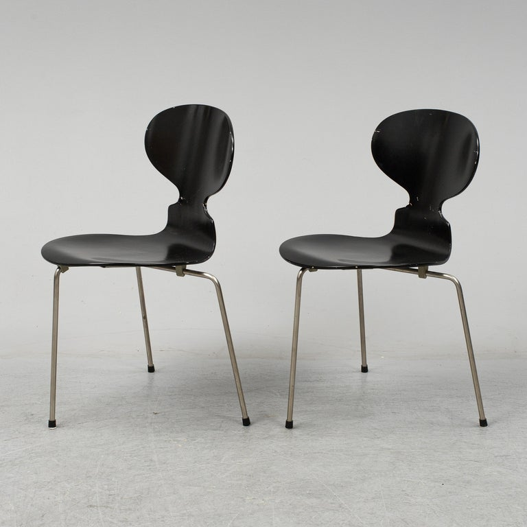 Danish Arne Jacobsen Ant Chairs, Original Set from Early Production, 1952 For Sale