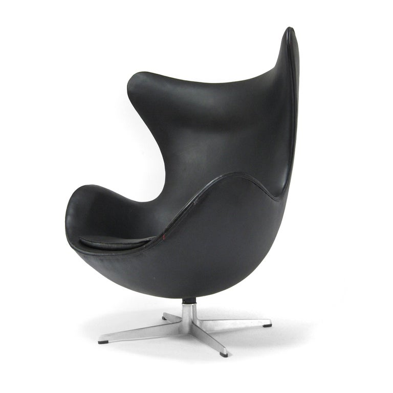 European Arne Jacobsen Early Egg Chair by Fritz Hansen For Sale