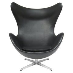 Arne Jacobsen Early Egg Chair by Fritz Hansen