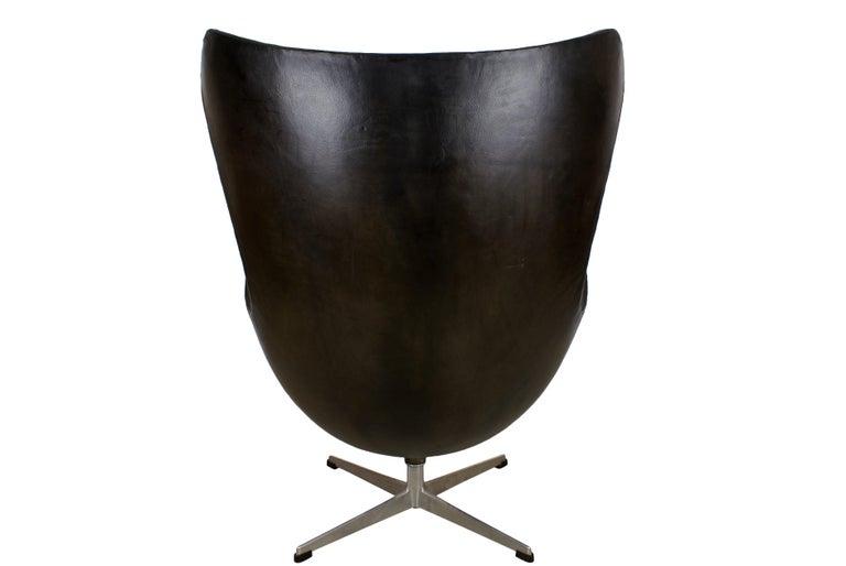 Arne Jacobsen Early Egg Chair in Black Leather, Fritz Hansen, 1958 In Excellent Condition In Copenhagen, DK