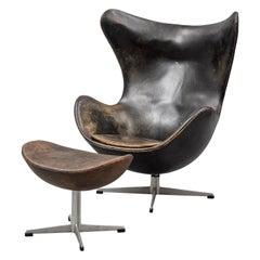 Arne Jacobsen Egg Chair an Ottoman by Fritz Hansen in Denmark