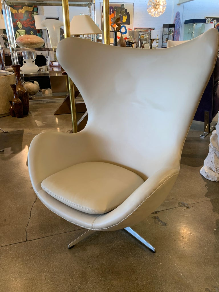 Danish Arne Jacobsen Egg Chair by Fritz Hansen For Sale