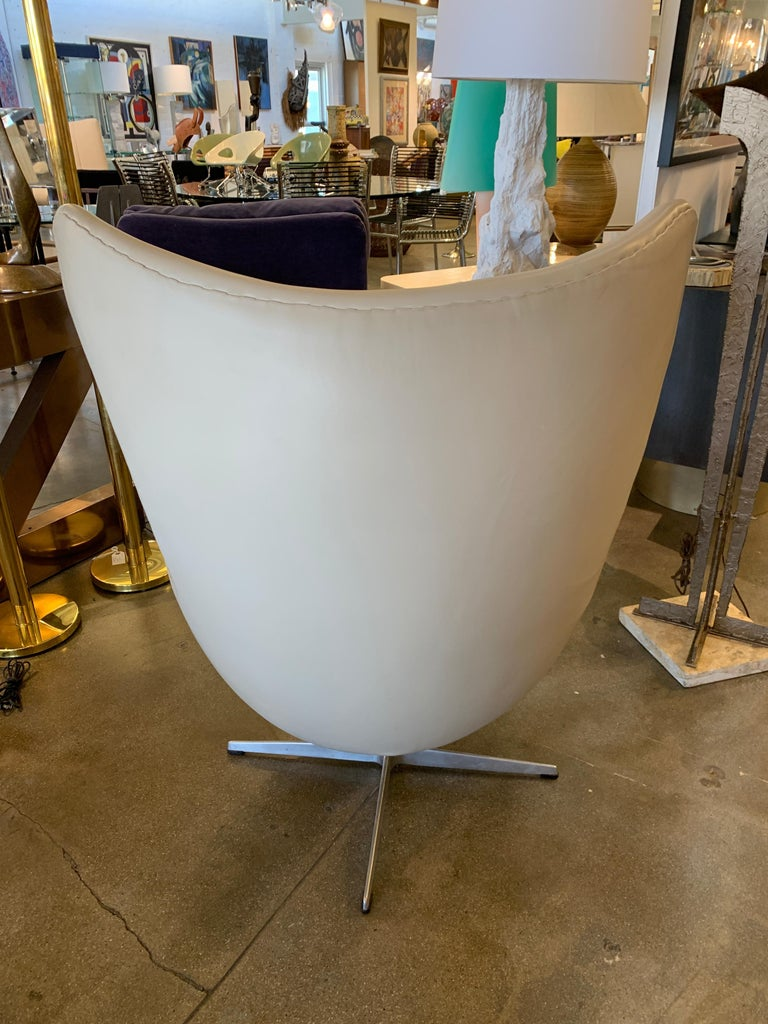 Metal Arne Jacobsen Egg Chair by Fritz Hansen For Sale