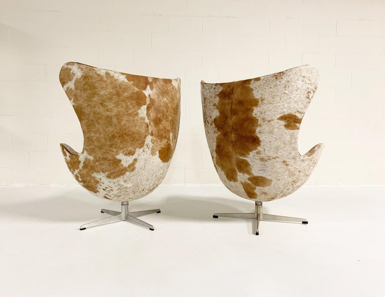 Arne Jacobsen Egg Chairs and Ottoman in Brazilian Cowhide 6