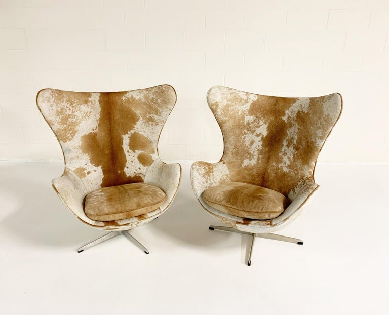 Arne Jacobsen Egg Chairs and Ottoman in Brazilian Cowhide 1