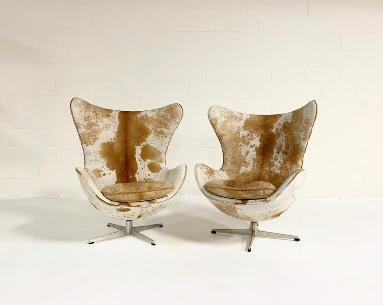 Arne Jacobsen Egg Chairs and Ottoman in Brazilian Cowhide 2